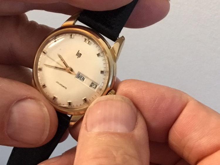 Remonter sa montre vintage : pas si simple