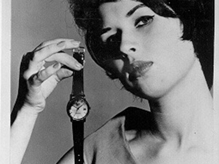Des femmes, des montres et des publicités vintages